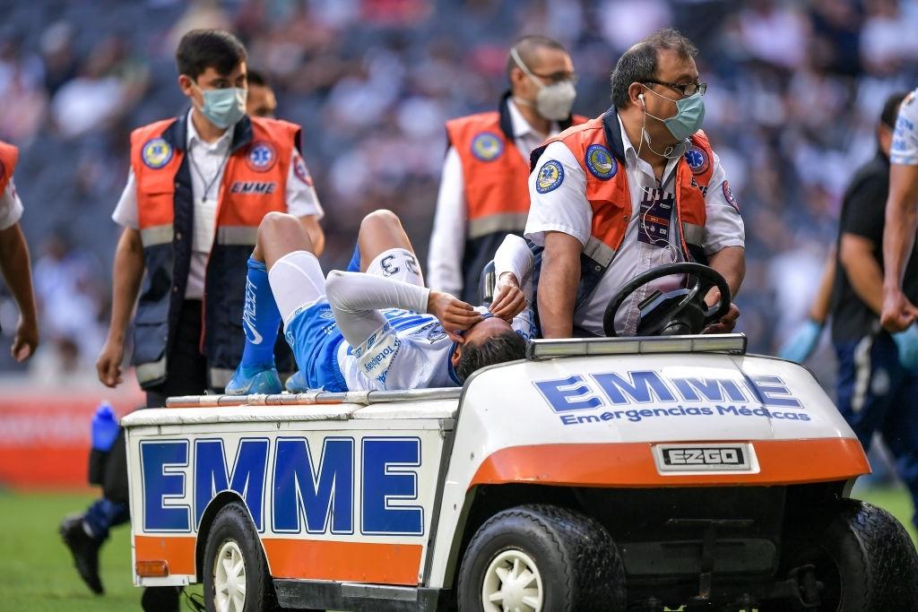 Daniel Aguilar salió lesionado del juego |Foto: Azael Rodriguez/Getty Images