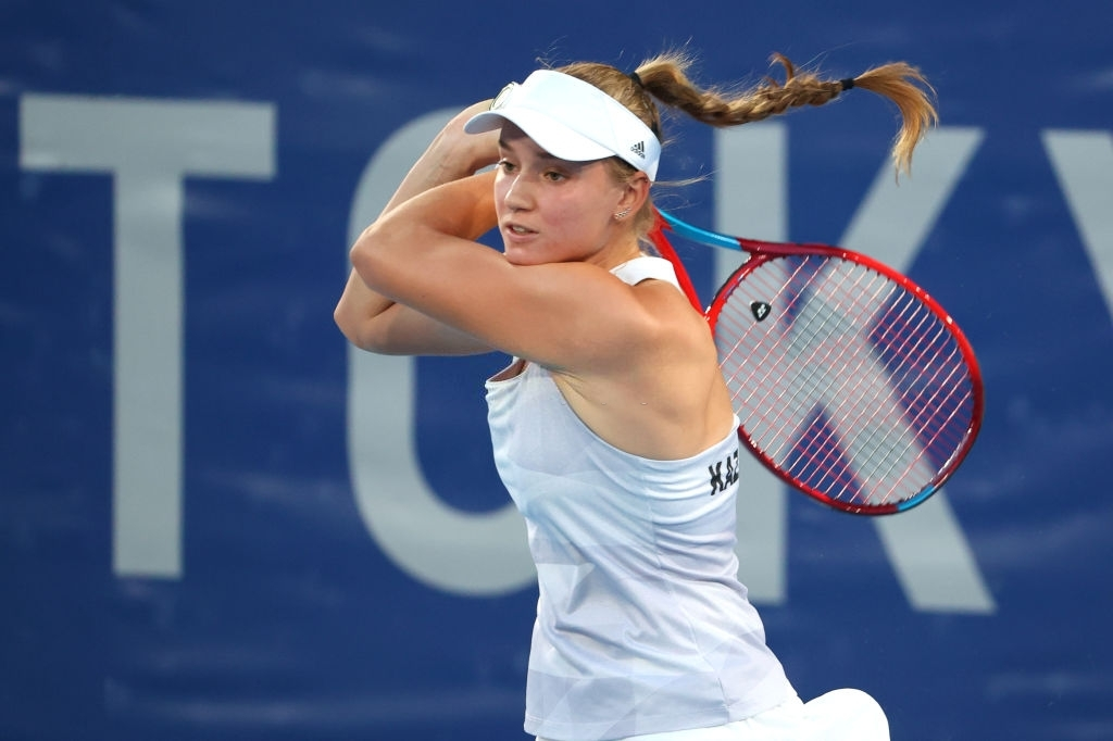 Rybakina powered past her opponent emphatically in the opening set, doing so under half an hour. Photo: