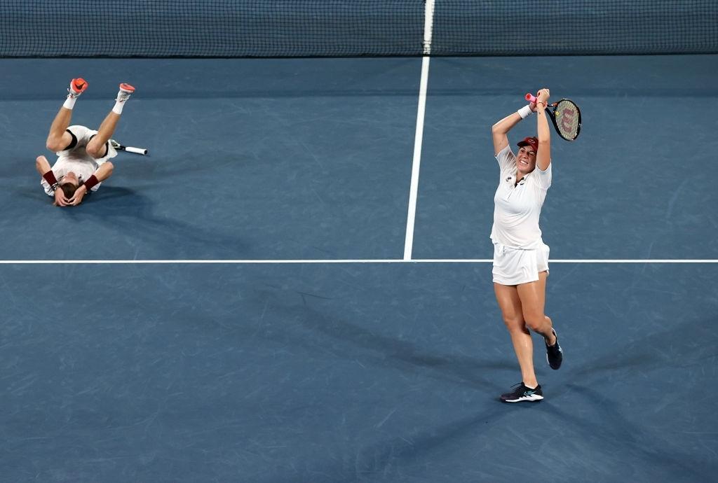 Pavlyuchenkova and Rublev react during their winning moment. Photo: