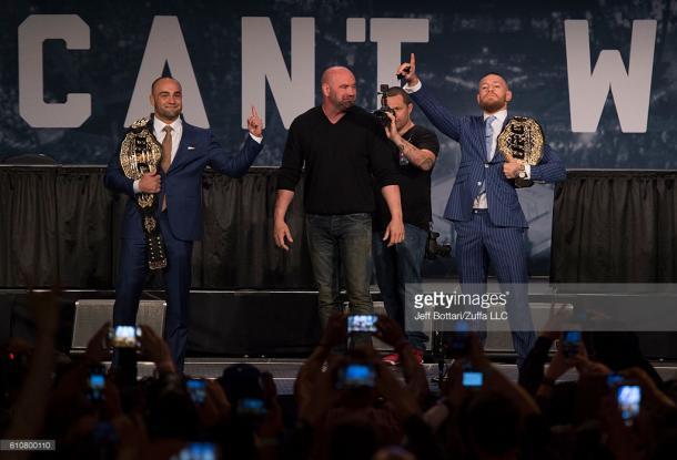 McGregor (R) will be aiming to claim the lightweight belt off Eddie Alvarez (L) at UFC 205 | Photo: Getty/JeffBottari/ZuffaLLC