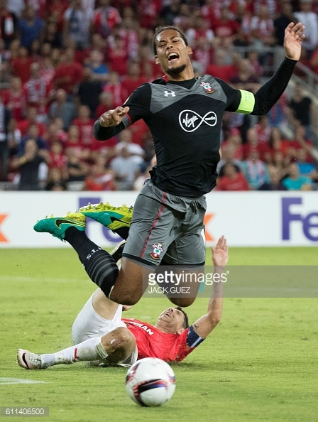 Van Dijk makes a crucial interception in the first half. Photo: Getty.