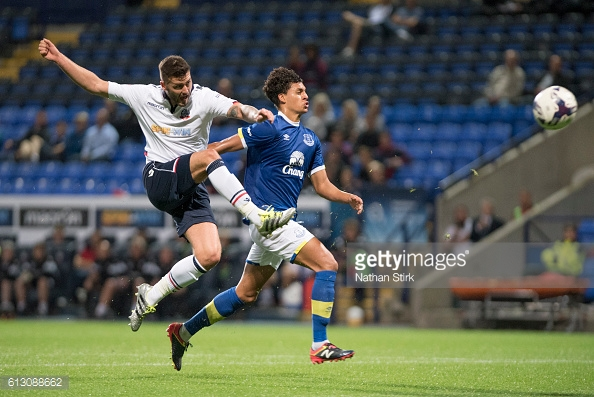 Yarney competes against Gary Madine in Checkatade Trophy (Photo: GettyImages/ Nathan Stirk)
