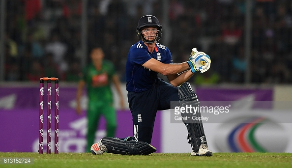 Buttler in action during his innings of 63 | Photo: Gareth Copley / Getty Images