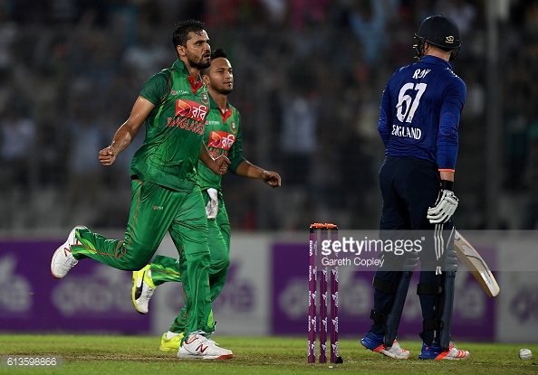 Mortaza celebrates getting the wicket of Roy in the last match | Photo: Gareth Copley / Getty Images