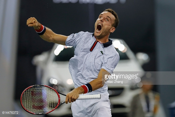 Roberto Bautista Agut is fired up after an impressive win over Jo-Wilfried Tsonga at the Shanghai Rolex Masters/Photo: Lintao Zhang/Getty Images