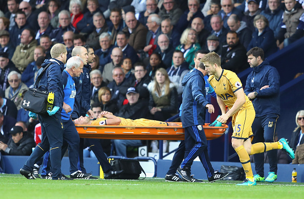 Toby Alderweireld being stretched off (Photo: Getty Images)