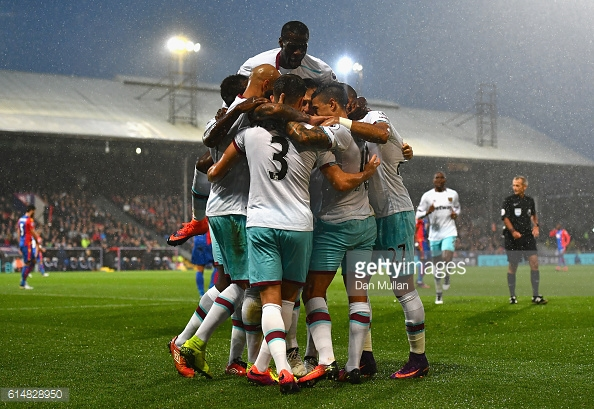 Above; West Ham celebrating Manuel Lanzini's goal in their 1-0 win over Crystal Palace | Photo: Getty Images