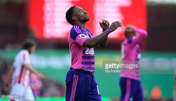 Above: Jermain Defoe shared his frustration during Sunderland's 2-0 defeat to Stoke | Photo: Getty Images