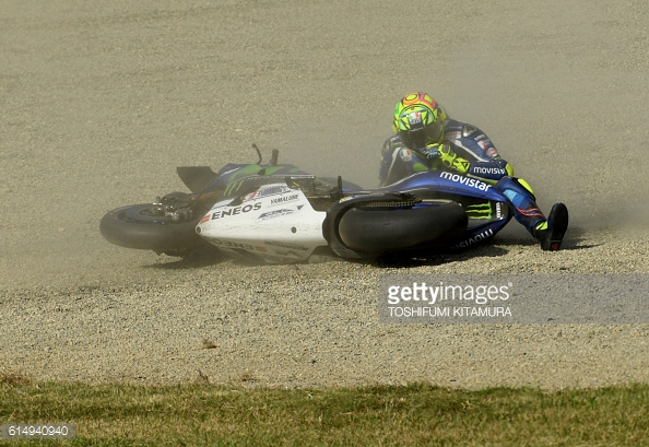 Rossi crashes out / Getty Images / Toshifumi Kitamura