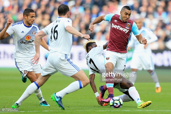 Above: Dimitri Payet in action during West Ham's 1-0 win over Sunderland | Photo: Getty Images