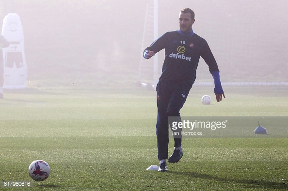 Above: John O'Shea on the training ahead of Sunderland's clash with Southampton | Photo: Getty Images