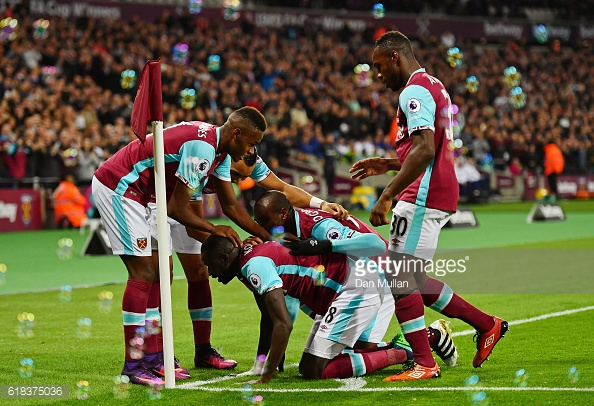 Above: Cheikhou Kouyate celebrating his goal in West Ham's 2-0 win over Chelsea | Photo: Getty Images