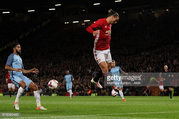 Above: Zlatan Ibrahimovic missing his chance in Manchester United's 1-0 win over Manchester City | Photo: Getty Images