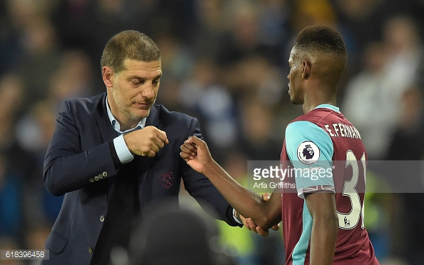 Above: Slaven Bilic with Edmilison Fernandes during West Ham's 2-1 win over Chelsea | Photo: Getty Images