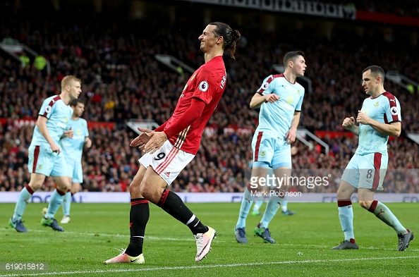 Ibrahimovic struggling for confidence in a United shirt at the minute | Photo: Mark Robinson / Getty Images