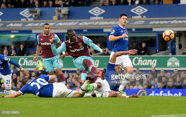 Above: Pedro Obiang taking his shot during West Ham's 2-0 defeat to Everton | Photo: Getty Images