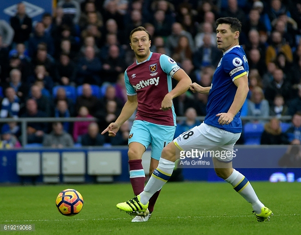 Above: Mark Noble in action during West Ham's 2-0 defeat to Everton | Photo: Getty Images