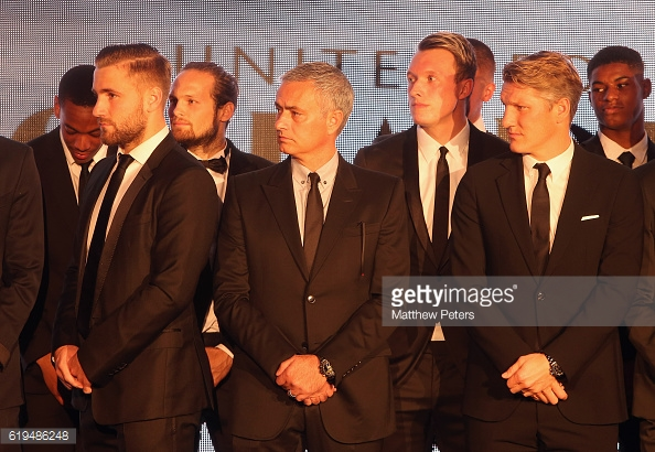 Mourinho and Schweinsteiger pictured together at a Unicef dinner with the United team this week | Photo: Matthew Peters / Getty Images