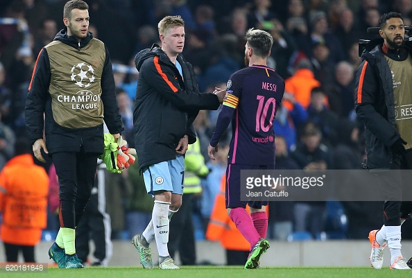 MANCHESTER, ENGLAND - NOVEMBER 1: Kevin De Bruyne of Manchester City greets Lionel Messi of FC Barcelona following the UEFA Champions League match between Manchester City FC and FC Barcelona at Etihad Stadium on November 1, 2016 in Manchester, England. (Photo by Jean Catuffe/Getty Images)