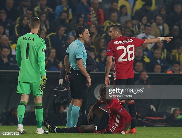 Above: Paul Pogba injured on the pitch during Manchester United's 2-1 defeat to Fenerbahce | Photo: Getty Images