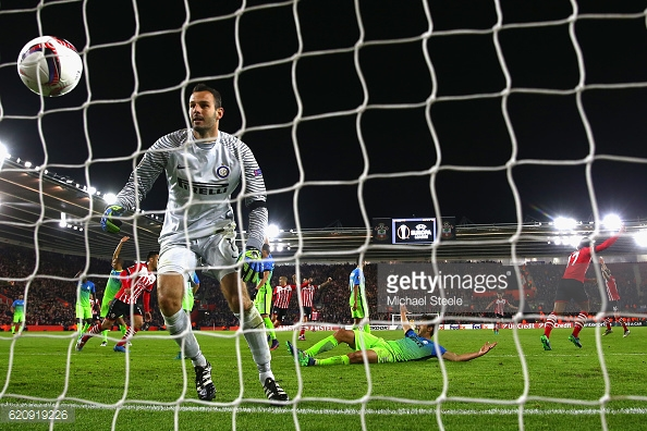 van Dijk wheels away after equalising against Inter Milan. Photo: Getty Images / Michael Steele