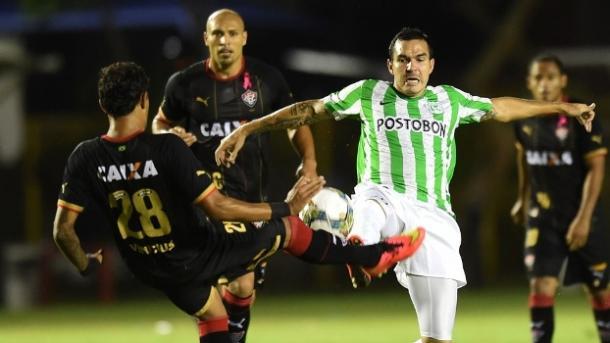 Ante Vitória fue la única vez que ganó Nacional en Brasil. | Foto: UOL