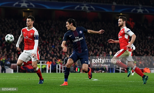 Cavani tries in vein to put PSG back in front. Photo: Shaun Botterill/Getty