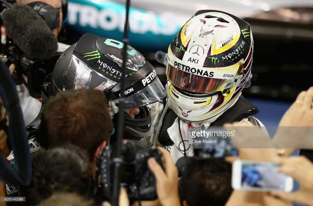 Lewis Hamilton couldn't claim his fourth World Championship. | Photo: Getty Images/Clive Mason