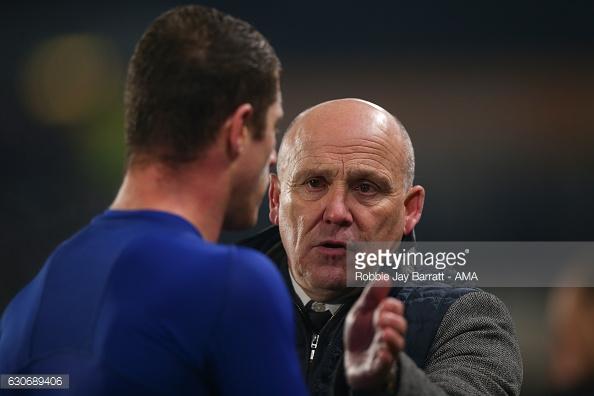 Phelan congratulates Everton hero Barkley (photo: Getty Images)