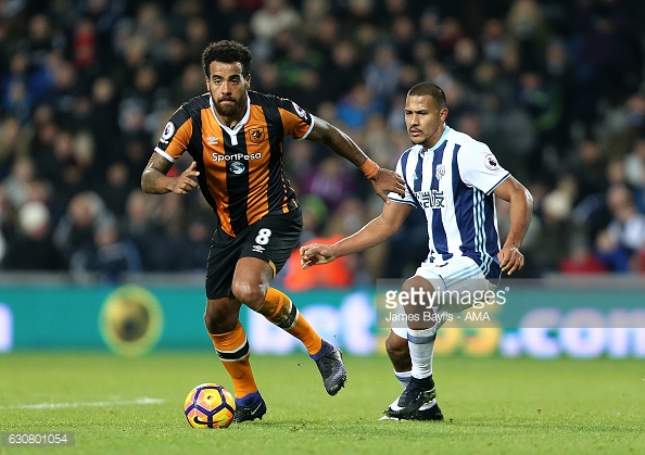 Huddlestone dictated play in the first half (photo: Getty Images)