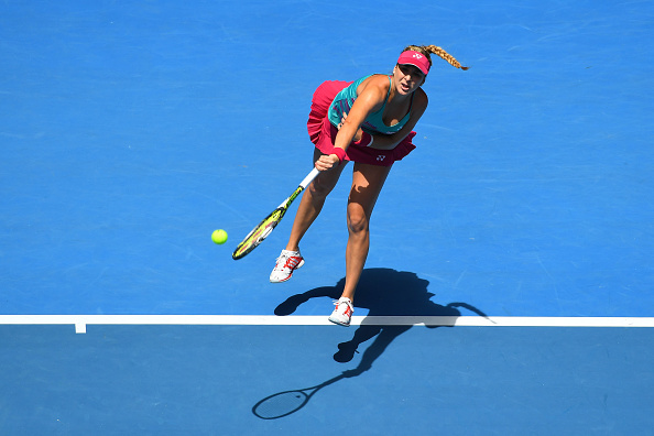 Bencic fights back | Photo: Quinn Rooney/Getty Images