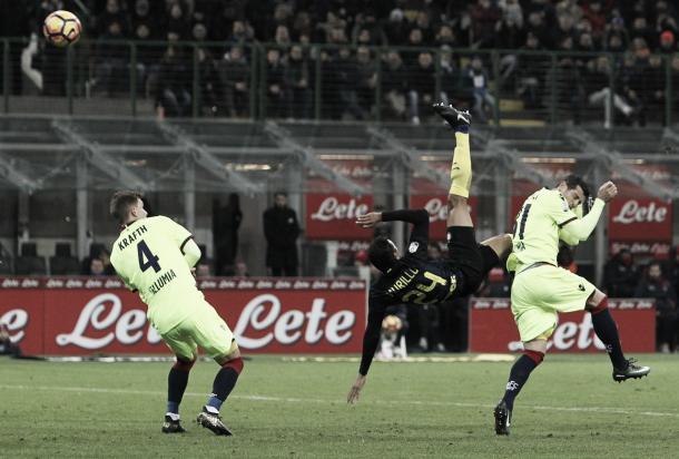 Il fantastico gesto tecnico di Murillo sul primo golo | corriere.it