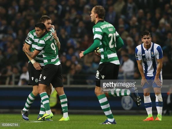 Alan Ruiz marcou, mas a verdade é que o golo não foi suficiente para garantir o empate.