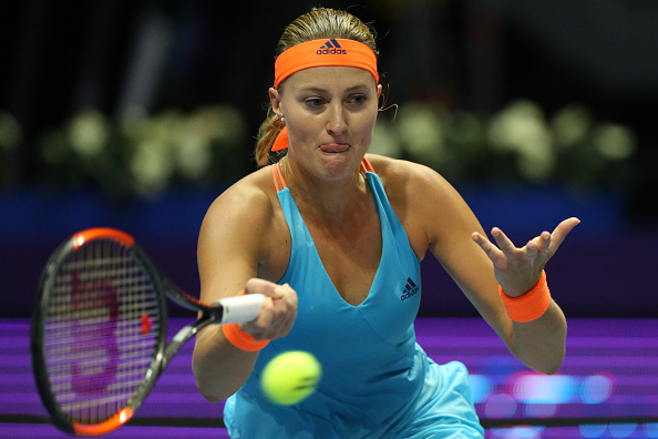 Mladenovic wins first set in commanding first set | Photo: Mike Kireev/NurPhotos via Getty Images