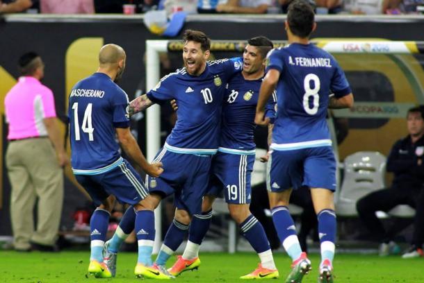 Messi y los suyos (foto:laopinion)