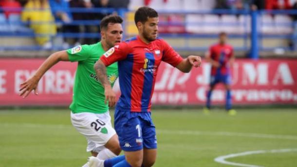 Álvaro Giménez en el Extremadura-Almería | Fuente: La Liga