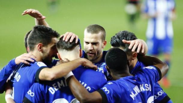 Los jugadores del Alavés celebrando uno de los goles / Foto: LaLiga