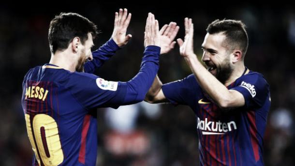 Messi e Alba comemoram mais uma jogada que terminou em gol | Foto: Divulgação/La Liga