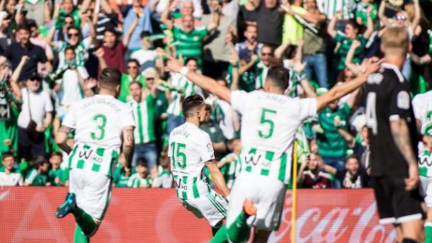 Bartra celebrando su gol al Sevilla Foto: LALIGA