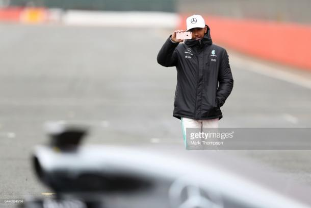 Hamilton looks for number four. | Photo: Getty Images/Mark Thompson