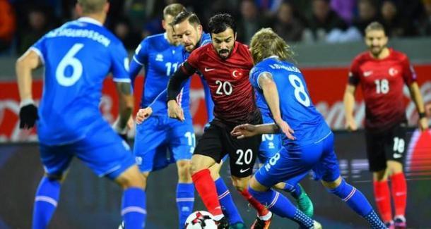 L'Islanda in azione nel successo sulla Turchia   Foto: Daily Sabah