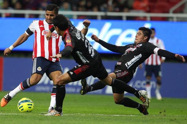 Miguel Ponce y César Cercado durante el partido en Guadalajara | Foto: ESTO