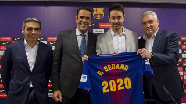 Presentación de la renovación de Paco Sedano   Foto: @FCBFutbolSala