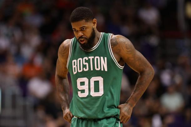 Amir Johnson con la maglia dei Celtics. Photo by Christian Petersen/Getty Images