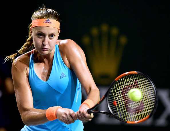 Mladenovic levels the set at 1-1 | Photo: Harry How/Getty Images