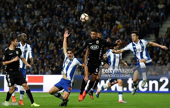 O FC Porto perdeu a oportunidade de assumir a liderança na recepção ao Setúbal