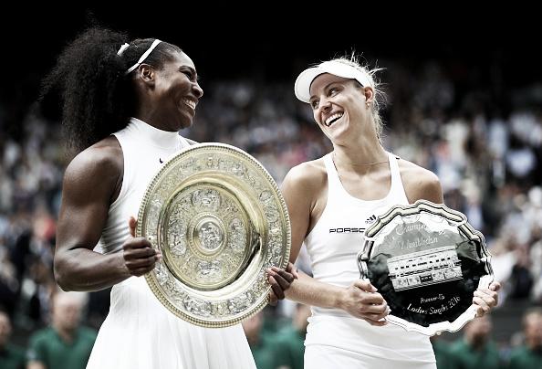 Em clima amistoso, Serena e Kerber rasgaram elogios entre si em seus discursos (Foto: CliveBrunskill/GettyImages)
