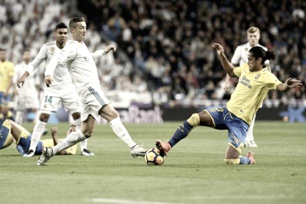 Lemos y Cristiano en un lance del juego / Foto: udlaspalmas.es