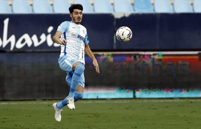 Jozabed llegando a un balón / Foto: Málaga CF