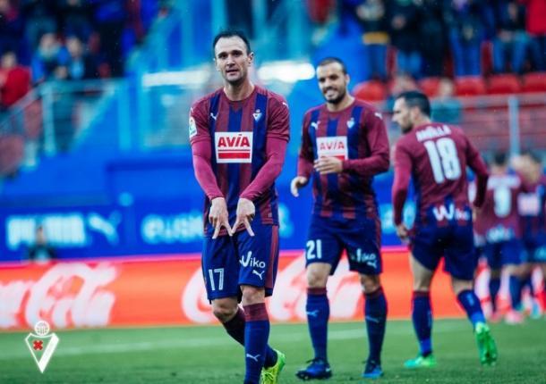 Kike García celebra un gol | Foto: SD Eibar